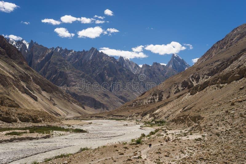 Τοπίο K2 του ίχνους οδοιπορίας στη σειρά Karakoram, Πακιστάν στοκ εικόνα με δικαίωμα ελεύθερης χρήσης