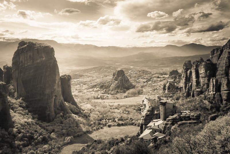 Τοπίο Meteora, ένας μοναδικός σχηματισμός βράχου στην κεντρική Ελλάδα στοκ εικόνες με δικαίωμα ελεύθερης χρήσης