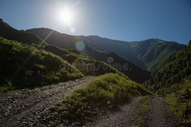 Τοπίο Tusheti στα βουνά Καύκασου, Γεωργία Τοπίο Tusheti στα μεγαλύτερα βουνά Καύκασου, Γεωργία στοκ εικόνα με δικαίωμα ελεύθερης χρήσης