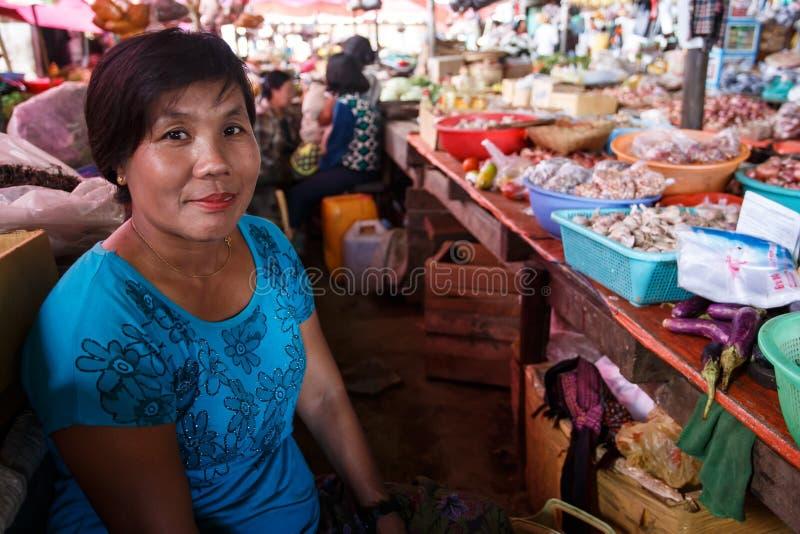 Τοπική φρέσκια αγορά σε Falam, το Μιανμάρ (Βιρμανία) στοκ φωτογραφία