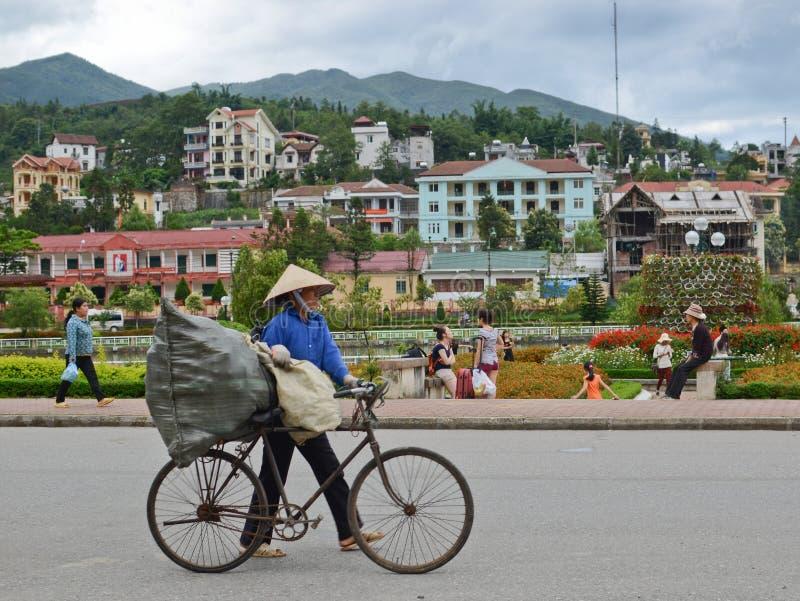 Τοπικοί άνθρωποι σε Sapa, Βιετνάμ στοκ εικόνα