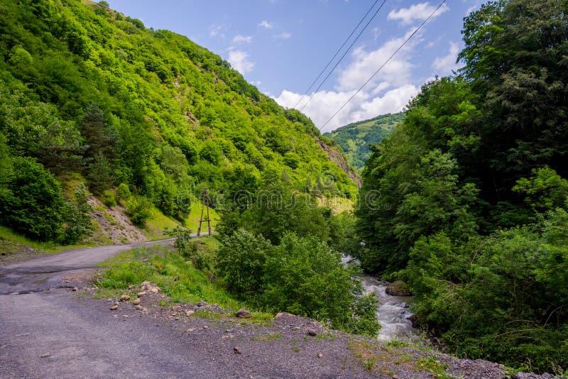 Τοπικός δρόμος σε Roshka, Γεωργία στοκ φωτογραφία
