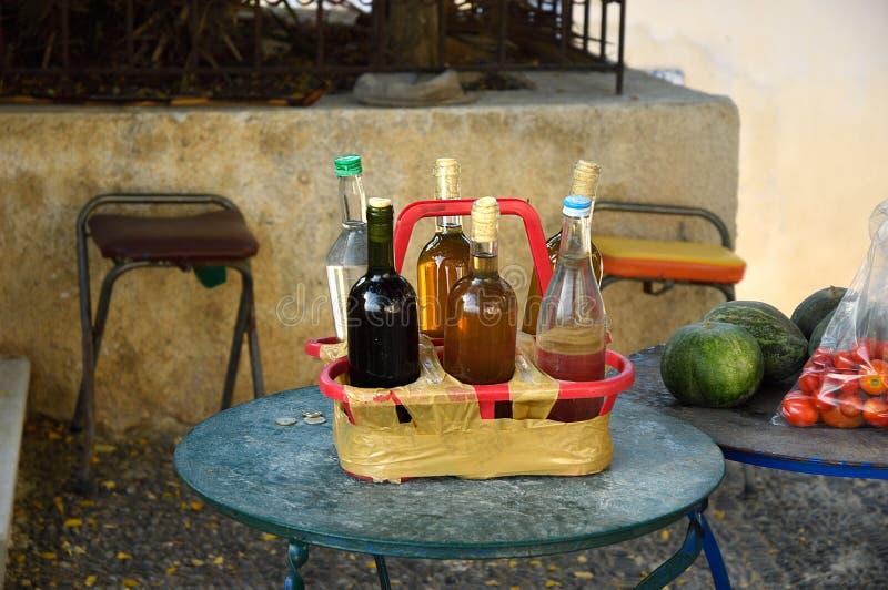 Τοπικό κρασί για την πώληση Κρήτη Ελλάδα στοκ εικόνα