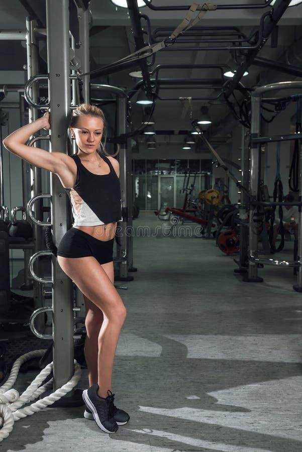 Τοποθέτηση κοριτσιών στη γυμναστική στοκ φωτογραφία με δικαίωμα ελεύθερης χρήσης