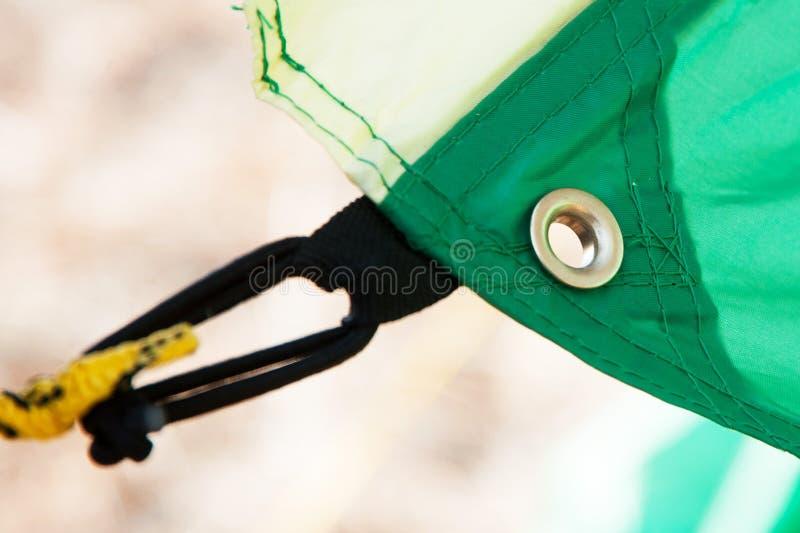Τοποθέτηση σχοινί και αρμοσφίκτης σκηνών †« στοκ φωτογραφία με δικαίωμα ελεύθερης χρήσης