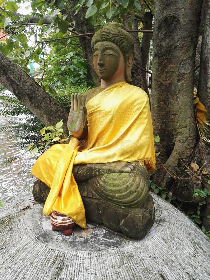 Τοποθέτηση του Βούδα, προστασία Βούδας/υπερνίκηση του φόβου στοκ εικόνες με δικαίωμα ελεύθερης χρήσης