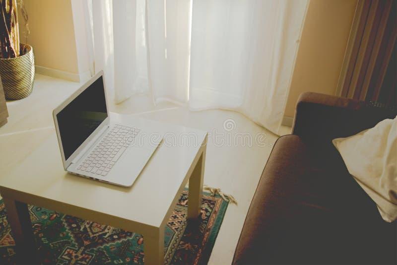 Τοποθεσία smartwork για το σαλόνι στοκ φωτογραφίες με δικαίωμα ελεύθερης χρήσης