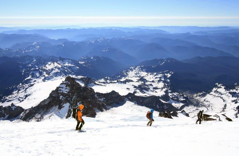 Τοποθετήστε πιό βροχερό (πόδια 14.410 ) είναι το υψηλότερο ηφαίστειο και ο μεγαλύτερος βουνό στις παρακείμενες Ηνωμένες Πολιτείες στοκ εικόνα με δικαίωμα ελεύθερης χρήσης