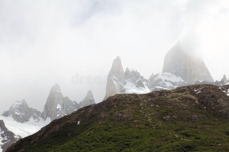 Τοποθετήστε τη Fitz Roy και τοποθετήστε Poicenot στο εθνικό πάρκο Los Glaciares, Αργεντινή στοκ εικόνα με δικαίωμα ελεύθερης χρήσης