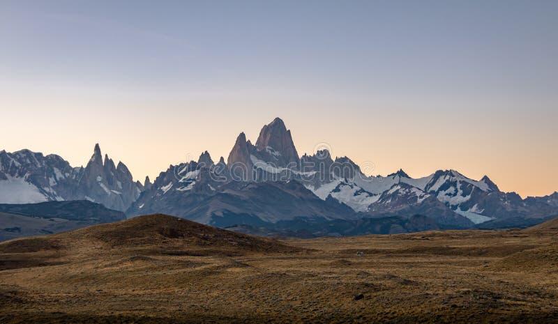 Τοποθετήστε τη Fitz Roy στην Παταγωνία στο ηλιοβασίλεμα - EL Chalten, Αργεντινή στοκ φωτογραφία με δικαίωμα ελεύθερης χρήσης