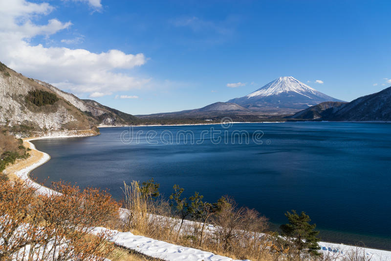 Τοποθετήστε το Φούτζι και τη λίμνη Motosu στοκ φωτογραφίες με δικαίωμα ελεύθερης χρήσης