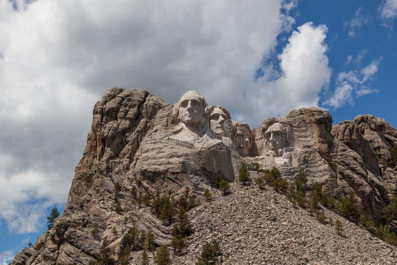 Τοποθετήστε Rushmore στην ηλιοφάνεια στοκ εικόνα με δικαίωμα ελεύθερης χρήσης