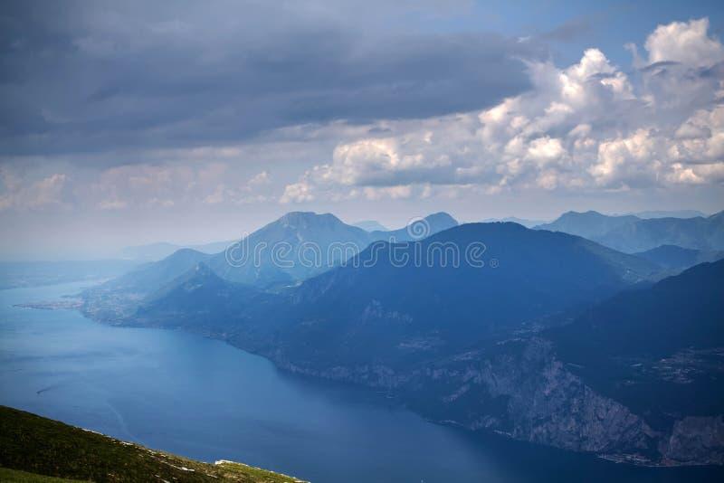 Τοπ άποψη λιμνών Garda στοκ φωτογραφία με δικαίωμα ελεύθερης χρήσης