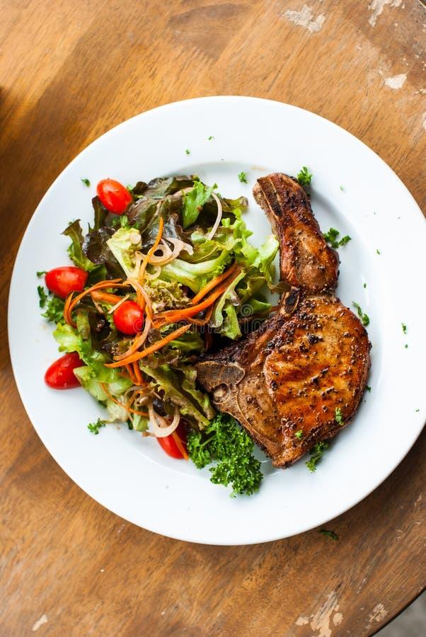 Τοπ άποψη μπριζολών χοιρινού κρέατος στοκ φωτογραφία με δικαίωμα ελεύθερης χρήσης