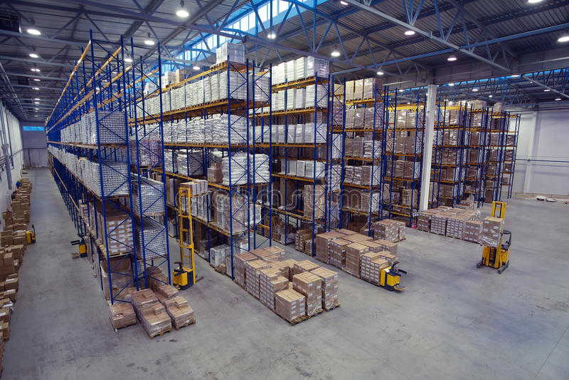 Τοπ άποψη της εσωτερικής περιοχής η αποθήκη εμπορευμάτων στοκ εικόνα