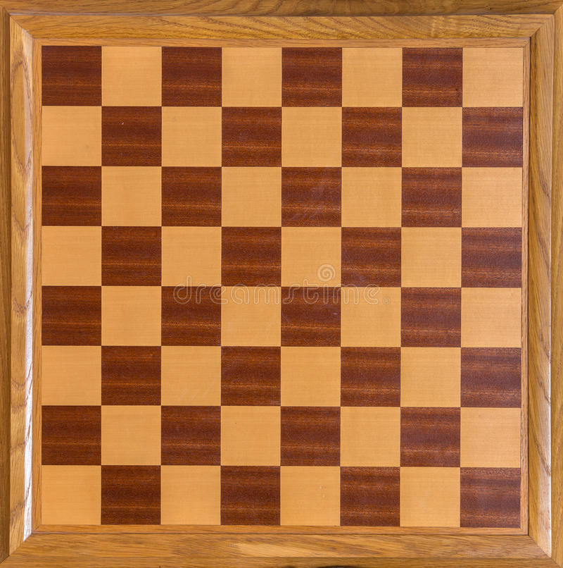 Τοπ άποψη του ξύλινου δρύινου πίνακα σκακιού στοκ εικόνα