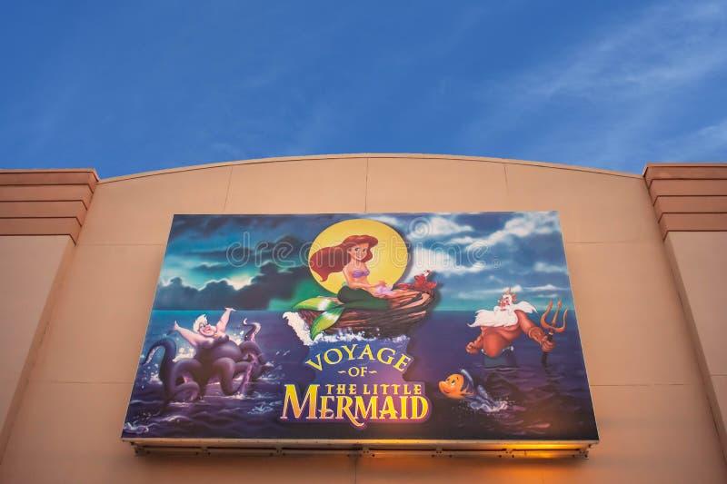 Τοπ άποψη του ταξιδιού της μικρής γοργόνας στα στούντιο Hollywood στην παγκόσμια περιοχή Walt Disney στοκ φωτογραφία