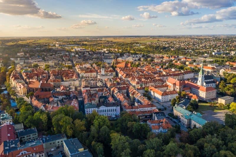 Τοπ εναέρια άποψη στην παλαιά πόλη με το τετράγωνο αγοράς Kalisz, Πολωνία στοκ φωτογραφίες με δικαίωμα ελεύθερης χρήσης