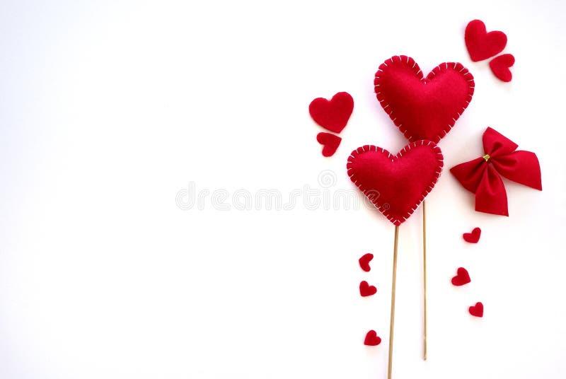 Τοπ κόκκινες καρδιές στο άσπρο υπόβαθρο στοκ φωτογραφία με δικαίωμα ελεύθερης χρήσης