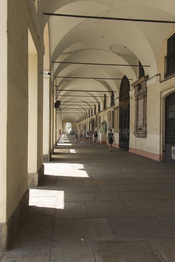 Τορίνο, Piedmont, Ιταλία 27 Ιουνίου 2019: Τα διάσημα arcades της πόλης στοκ φωτογραφία με δικαίωμα ελεύθερης χρήσης