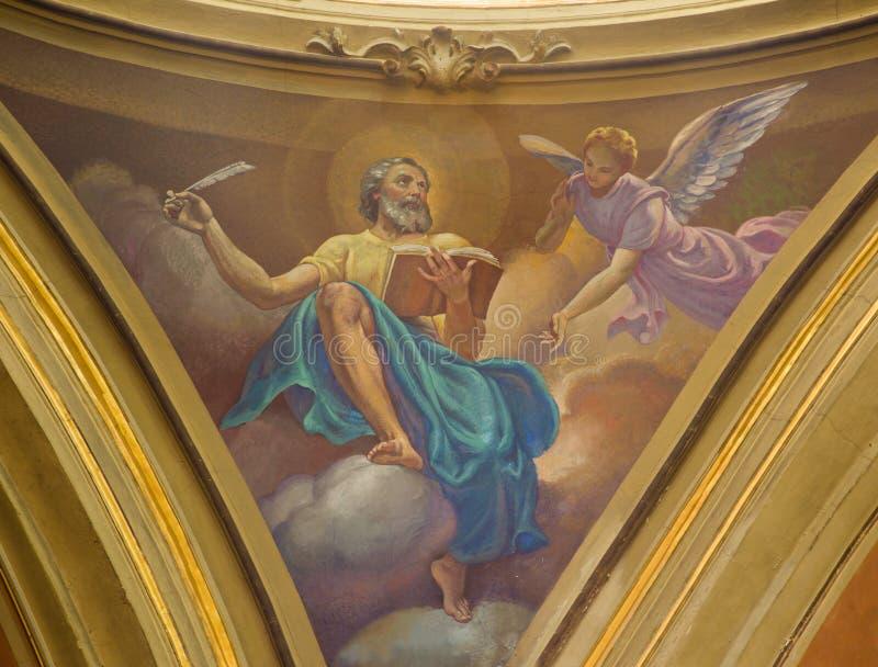 ΤΟΡΙΝΟ, ΙΤΑΛΙΑ - 13 ΜΑΡΤΊΟΥ 2017: Η νωπογραφία του ST Matthew ο Ευαγγελιστής στο θόλο Church Chiesa Di Santo Tommaso από το Γ Sec στοκ εικόνες