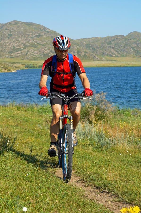 τουρίστας λιμνών ποδηλάτω στοκ φωτογραφίες με δικαίωμα ελεύθερης χρήσης