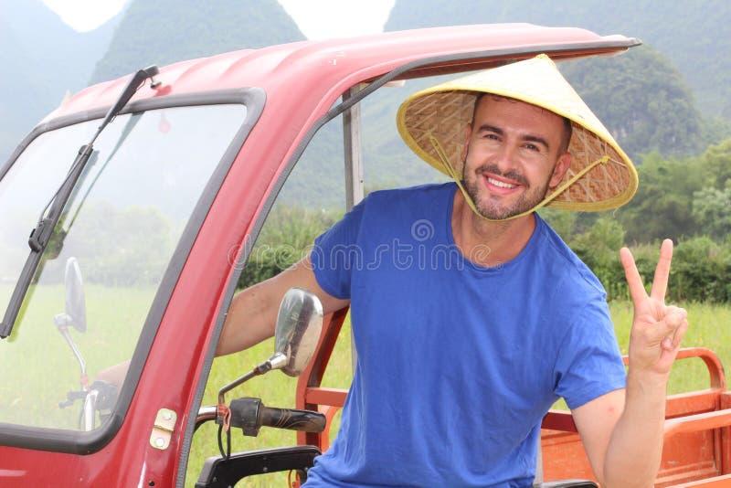 Τουρίστας που έχει τη διασκέδαση στην Ασία στοκ εικόνα