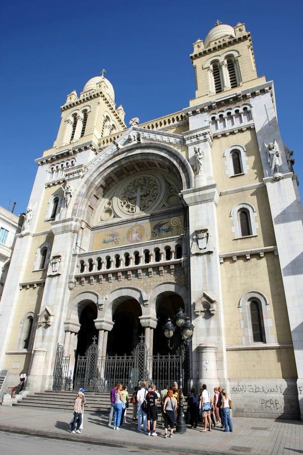 Τουρίστες μπροστά από τον καθεδρικό ναό στοκ φωτογραφία