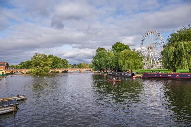 Τουρίστες στη βάρκα, Stratford επάνω σε Avon, πόλη του William Shakespeare ` s, Δυτικές Μεσαγγλίες, Αγγλία στοκ εικόνες