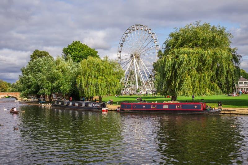 Τουρίστες στη βάρκα, Stratford επάνω σε Avon, πόλη του William Shakespeare ` s, Δυτικές Μεσαγγλίες, Αγγλία στοκ εικόνα