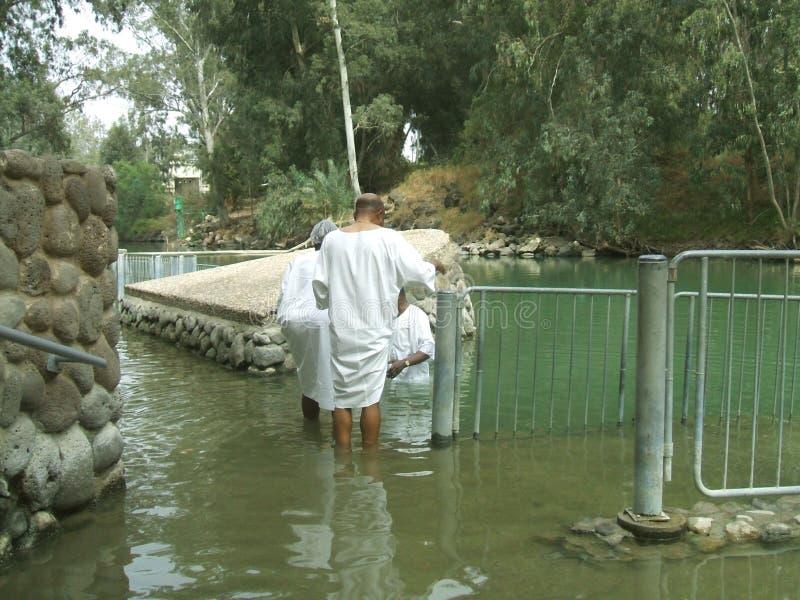 Τουρίστες στη βαπτιστική περιοχή Yardenit κοντά στο στοίχημα Yerah, Ισραήλ στοκ φωτογραφίες με δικαίωμα ελεύθερης χρήσης