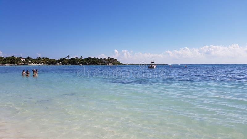 Τουρίστες στη θάλασσα στο Μεξικό, Riviera Maya στοκ φωτογραφίες με δικαίωμα ελεύθερης χρήσης