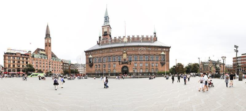 τουρίστες raadhus πανοράματος της Κοπεγχάγης Δανία στοκ φωτογραφία με δικαίωμα ελεύθερης χρήσης