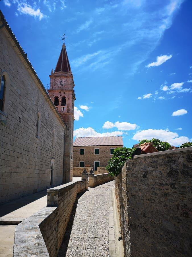 Τουρισμός Στην Κροατία / Νήσος Μπρατς / Εκκλησία Στην Ποστίρα στοκ φωτογραφίες με δικαίωμα ελεύθερης χρήσης