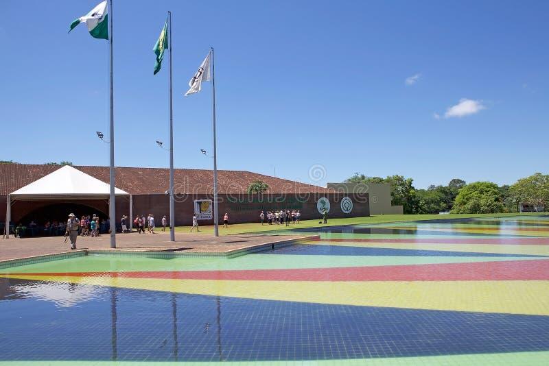 Τουρισμός στο εθνικό πάρκο Iguazu, Βραζιλία στοκ φωτογραφίες