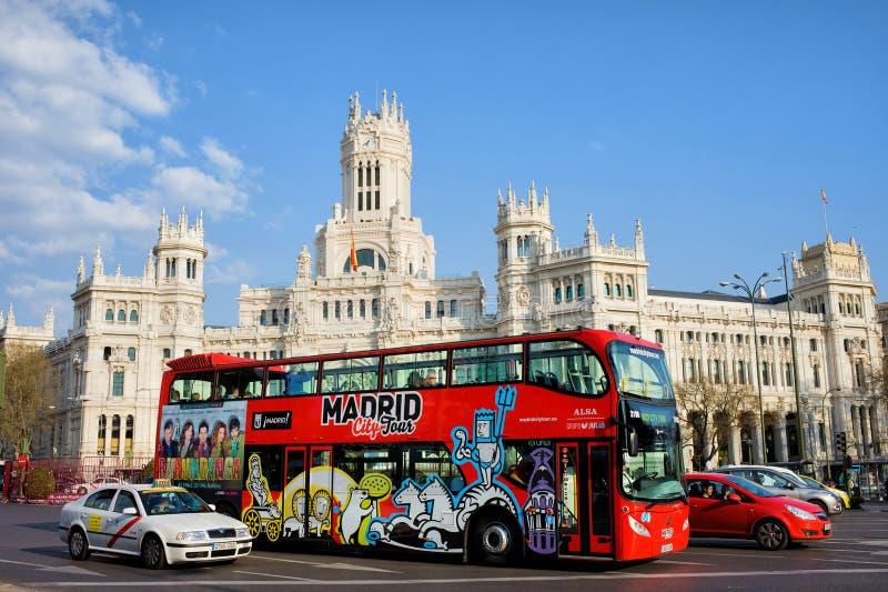 Τουριστηκό λεωφορείο πόλεων στη Μαδρίτη στοκ εικόνα με δικαίωμα ελεύθερης χρήσης
