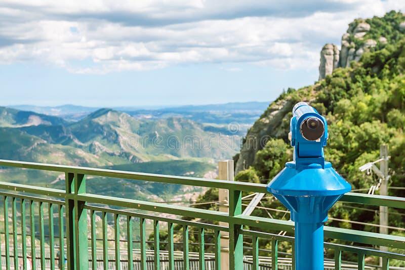 Τουριστικό τηλεσκόπιο στο μοναστήρι του Μοντσερράτ στοκ εικόνες με δικαίωμα ελεύθερης χρήσης