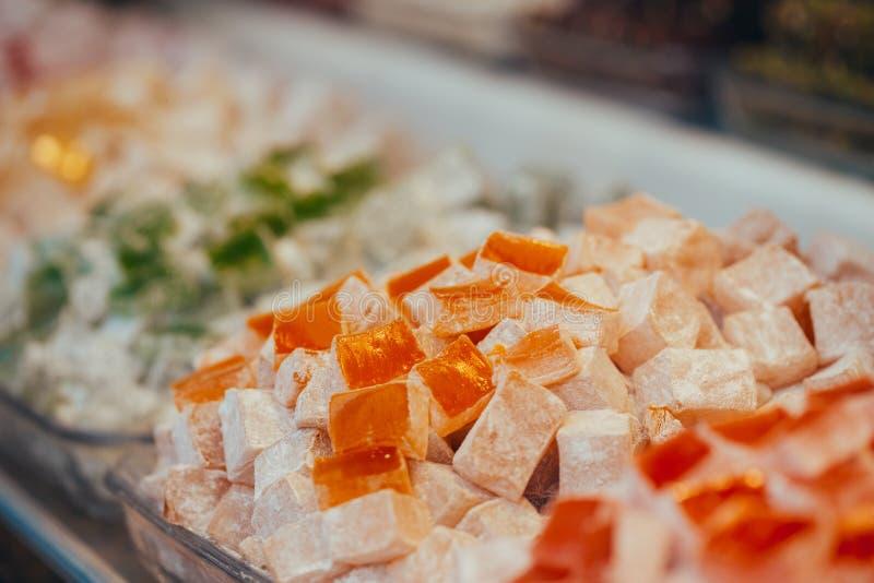 Τουρκικά γλυκά στον Αιγύπτιο bazaar E r στοκ εικόνες