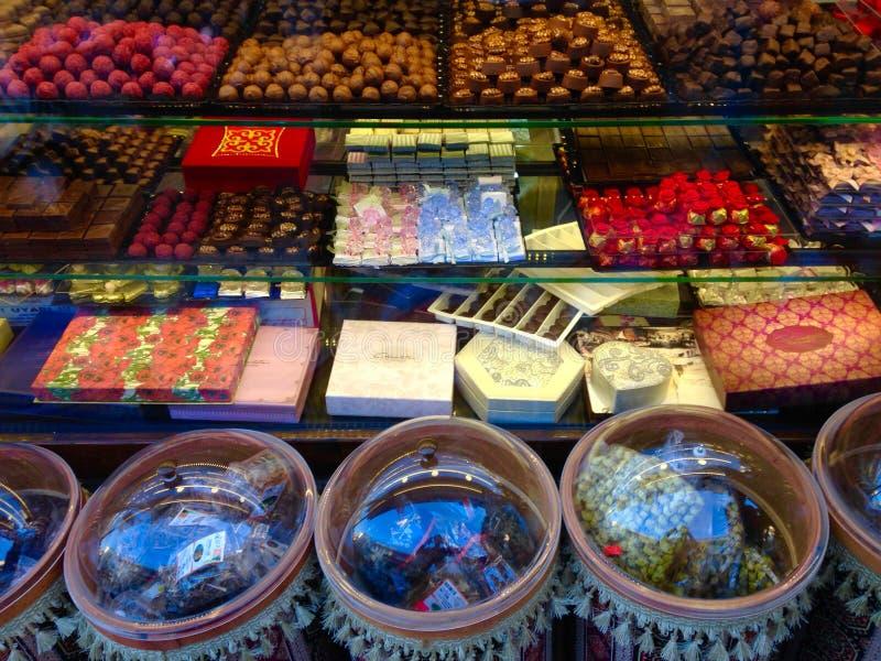 Τουρκικά γλυκά στο storefront στοκ φωτογραφίες με δικαίωμα ελεύθερης χρήσης