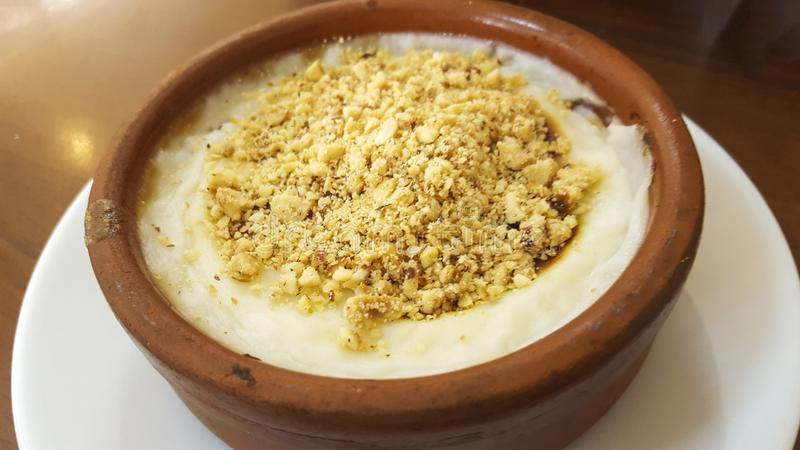 Τουρκικό επιδόρπιο Sutlac, πουτίγκα ρυζιού τρόφιμα παραδοσιακά στοκ φωτογραφίες