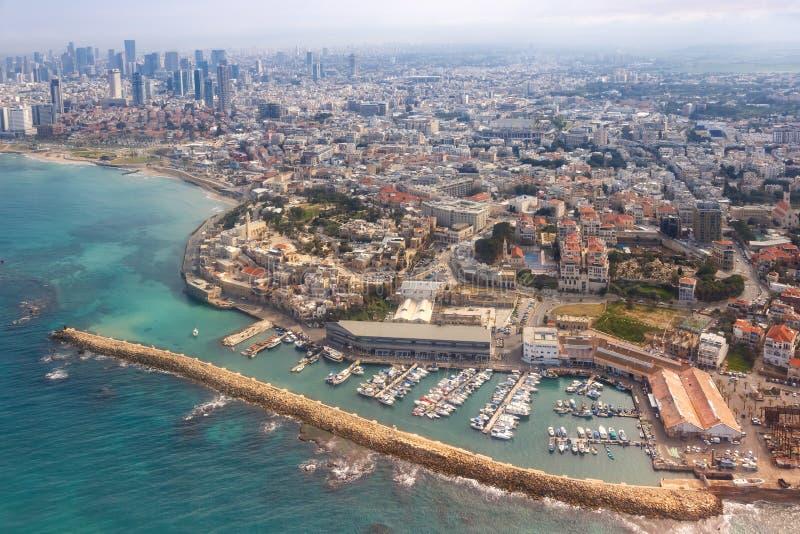 Του Τελ Αβίβ Jaffa παλαιοί πόλεων κωμοπόλεων λιμένων οριζόντων του Ισραήλ ουρανοξύστες θάλασσας άποψης παραλιών εναέριοι στοκ εικόνες