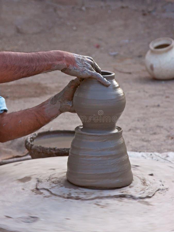 Του χωριού αγγειοπλάστης στην εργασία, Ινδία στοκ εικόνες με δικαίωμα ελεύθερης χρήσης