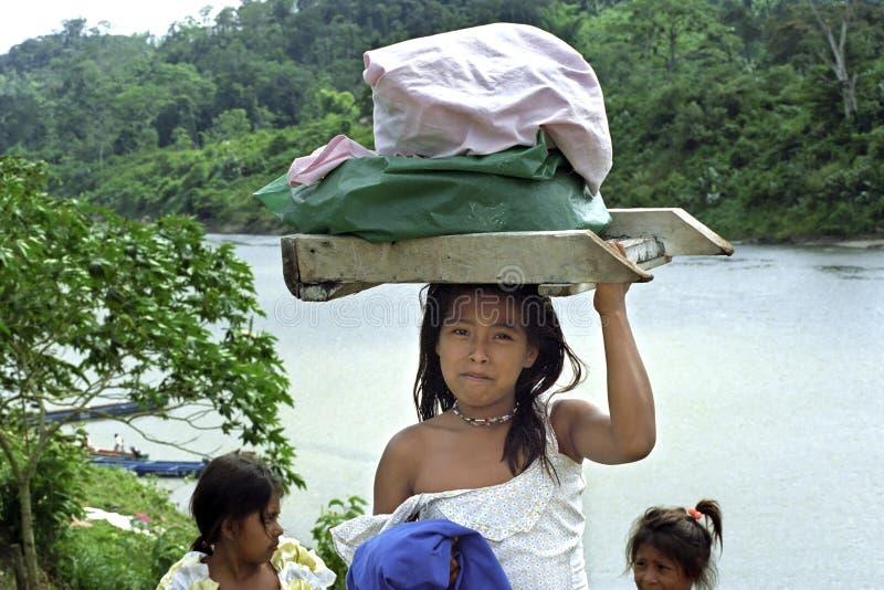 Download Του χωριού ζωή του ποταμού κοκοφοινίκων Ινδών, Νικαράγουα Εκδοτική εικόνα - εικόνα από ινδικά, ζούγκλα: 62722870
