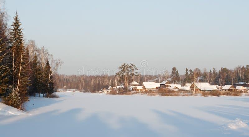 του χωριού χειμώνας όψης στοκ φωτογραφίες