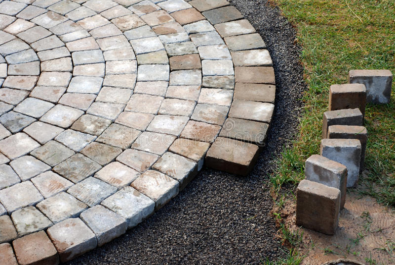 τούβλα που βάζουν το patio στοκ εικόνα με δικαίωμα ελεύθερης χρήσης