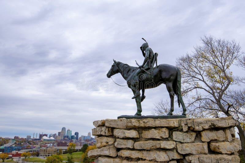 Το άγαλμα ανιχνεύσεων, πόλη Μισσούρι του Κάνσας στοκ φωτογραφίες