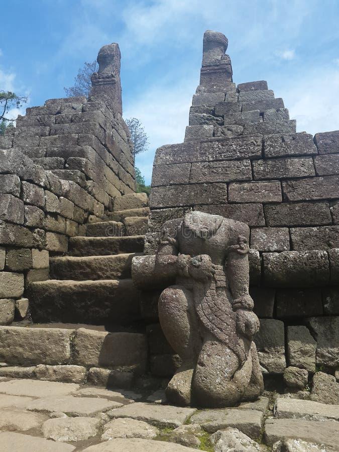 Το άγαλμα ναών χωρίς ένα κεφάλι στοκ εικόνα με δικαίωμα ελεύθερης χρήσης