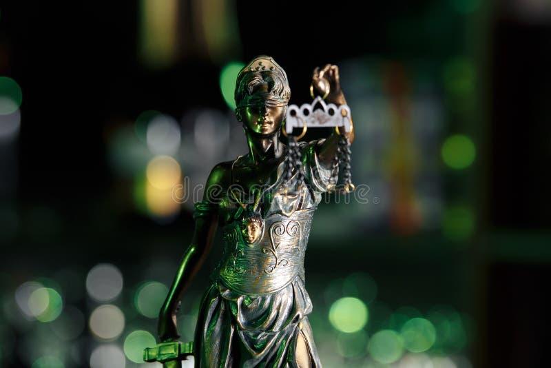 Το άγαλμα της δικαιοσύνης - γυναικεία δικαιοσύνη ή Iustitia Justitia στοκ φωτογραφίες με δικαίωμα ελεύθερης χρήσης