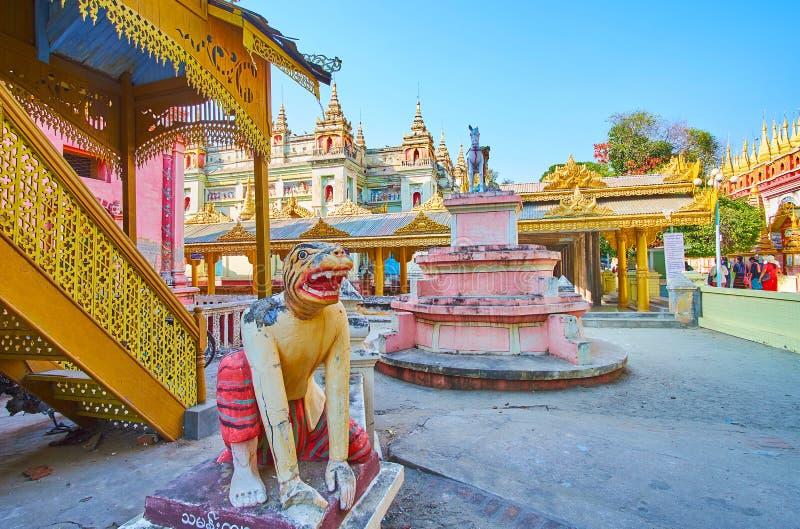 Το άγαλμα της τίγρης, μοναστήρι Thanboddhay, Monywa, το Μιανμάρ στοκ φωτογραφίες με δικαίωμα ελεύθερης χρήσης