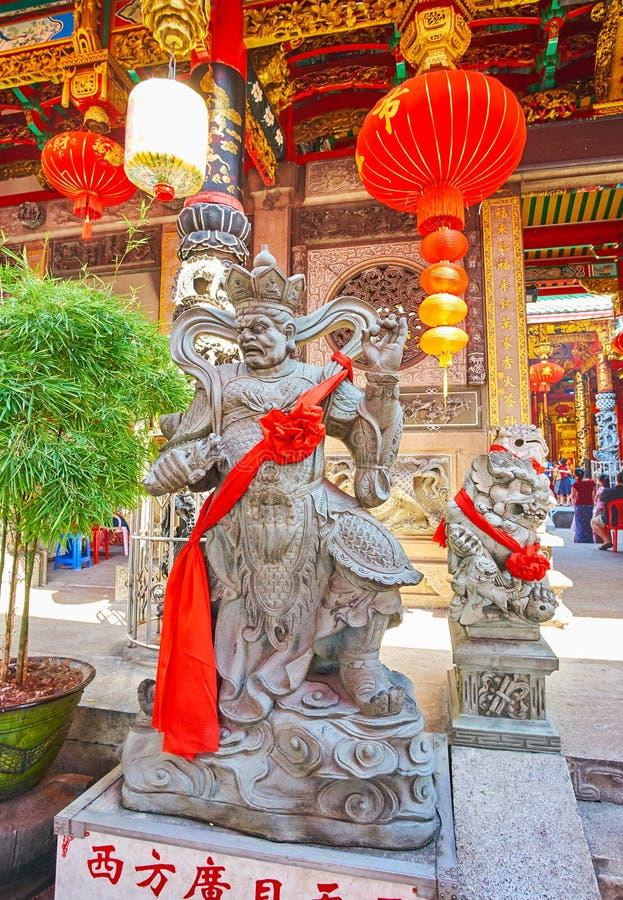 Το άγαλμα του βασιλιά Virupaksa στο ναό Qingfu, Yangon, το Μιανμάρ στοκ φωτογραφίες